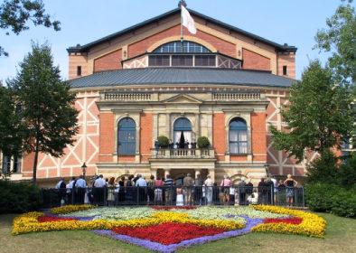 Bayreuther Festspiele in Kooperation mit der HNC-Datentechnik und der Arbeitsschutz-Software AUDITOR plus
